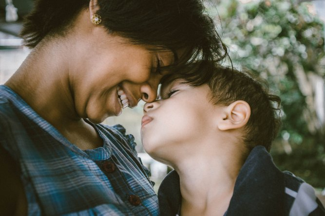 Mom and Child_Unsplash 255699-Bruno Nascimento