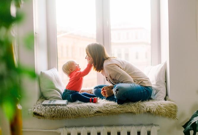 Mom and Baby_Pexels 1257110 - Daria Shevtsova