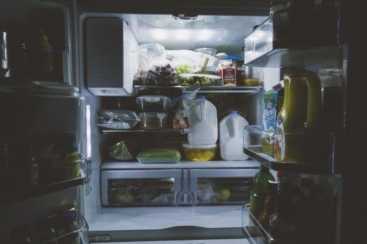 refrigerator_Pixabay-1868175_1920