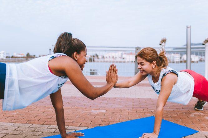 workout friends_pexels-1671217_luis quintero