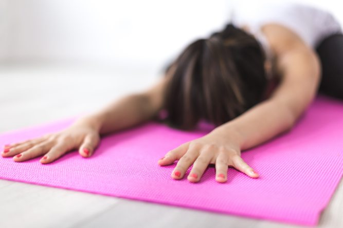 yoga mat_pexels-374694